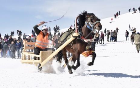 1. Ahirdağı Atlı Kızak Yarışması Yapıldı