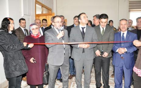 Afşin'de Engelliler Ebru Sanatları Sergisi Açtı