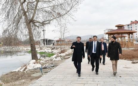 Başkan Erkoç Elbistan'da İncelemelerde Bulundu