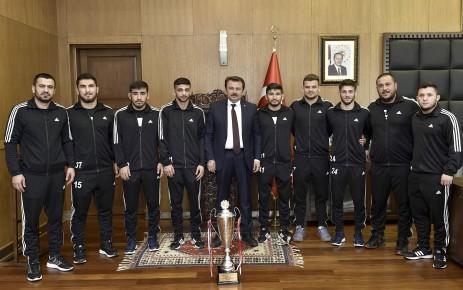 Başkan Erkoç: Güreşçilerimizden Olimpiyat Şampiyonluğu Bekliyoruz