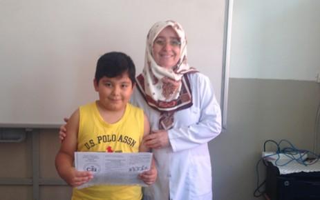 Cahit Zarifoğlu İlköğretim Okulu'nda Karne Sevinci