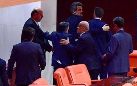 Dilipak HDP'lilere Haddini Bildirdi