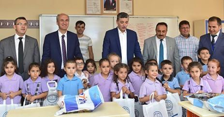Dulkadiroğlu Belediyesi'nden, 2500 Öğrenciye Kırtasiye Seti