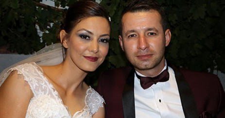Evlilik Yıldönümünde Karısıyla Yeniden Evlendi