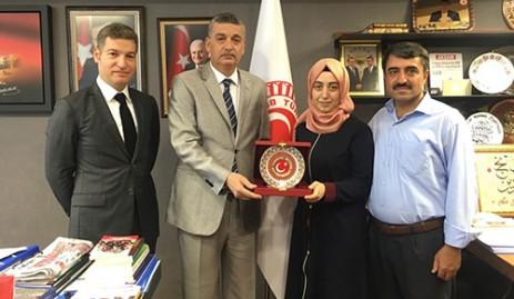 Güvenç, LYS Türkiye Birincisi Beyza Gürbüz'ü Ağırladı