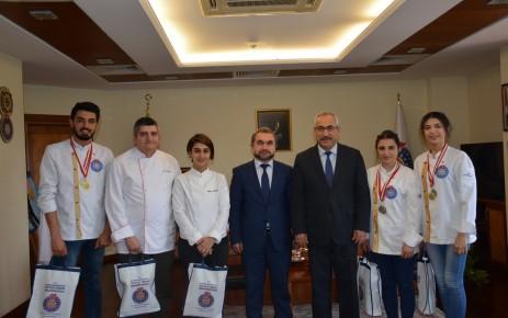 KSÜ Aşçılık Bölümü, Fethiye'den 2 Altın ve 4 Gümüş Madalyayla Döndü