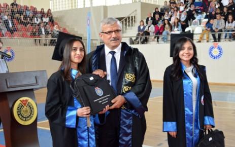 KSÜ Mühendislik ve Mimarlık Fakültesi'nde Mezuniyet Töreni