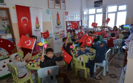 Onikişubat Belediyesi Geleceğimiz Olan Çocuklar İçin Etkinlik Düzenledi
