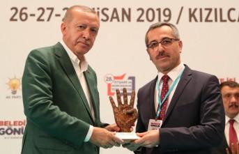 Cumhurbaşkanı Erdoğan'dan Başkan Güngör'e Ödül