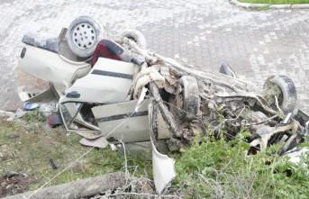 Kahramanmaraş'ta Otomobil Şarampole Devrildi
