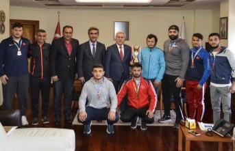 KSÜ Güreş Takımı Rektör Can'ı Ziyaret Etti