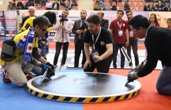 Robotlar Kahramanmaraş'ta Yarıştı