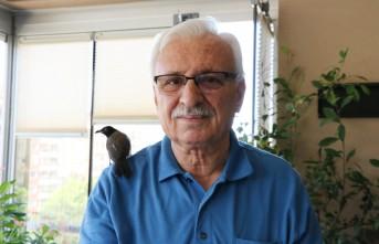 Abdulhakim Eren, Yolda Bulduğu Yavru Kargaya Gözü Gibi Bakıyor