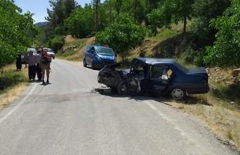 Kahramanmaraş'ta İki Otomobil Çarpıştı: 13 Yaralı