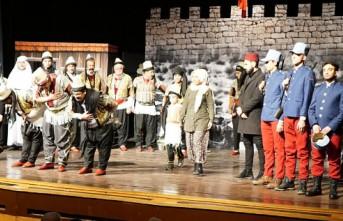 Kurtuluş Destanı Tiyatrosu Gösterime Sunuldu
