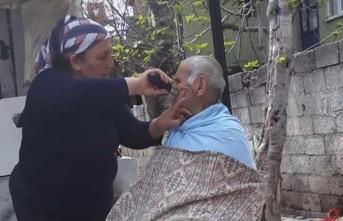 Gelinden Kayınbabaya Saç Tıraşı
