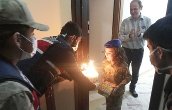 Jandarmadan Küçük Elif Su'ya Doğum Günü Sürprizi