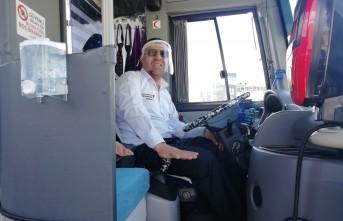 Büyükşehir Şoförler İçin Siperlik Maske Dağıtıyor