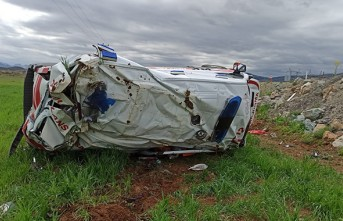 Kahramanmaraş'ta Feci Kaza, Ambulans Şarampole Yuvarlandı