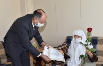 Vali Özkan'dan Şehit Anneleri ve Asırlık Çınarlara Anneler Günü Ziyareti