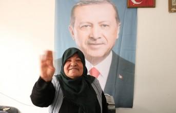 Yardım Değil Erdoğan'ın Posterini İstedi