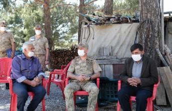 Jandarma Komutanından, Şehit Bekir Gündeş'in Ailesine Ziyaret