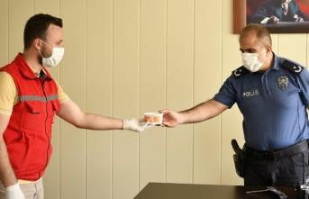 Elbistan'da Korona Virüs Kahramanlarına Aşure İkramı