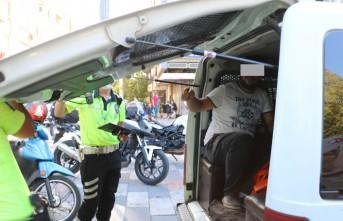 Terör Suçundan Aranan Şüpheliyi Trafik Polisleri Yakaladı