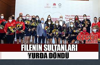 Olimpiyat Beşincisi Filenin Sultanları Yurda Döndü