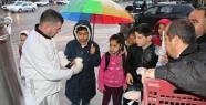 Başkan Bozdağ, Çocukların İçini Isıtmaya