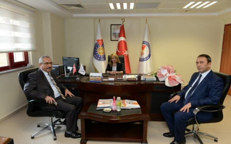Tıp Fakültesi Dekanlığına Prof. Dr. Kamile Gül Atandı
