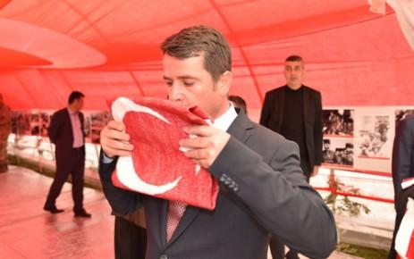 Türkoğlu'ndan Afrin'e 253 Bin İlmekli Bayrak