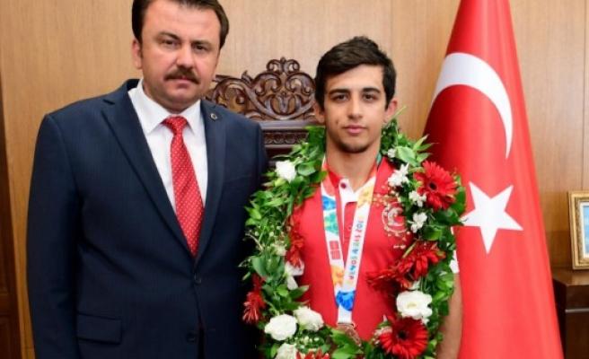 Başkan Erkoç: Halil Kardeşimizi Tebrik Ediyoruz