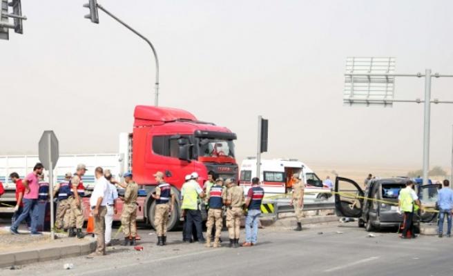 Gaziantep-Narlı Kavşağında Trafik Kazası: 2 Ölü, 5 Yaralı