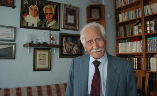 """Türk Edebiyatı """"Beyaz Kartal""""ını Yitirdi"""