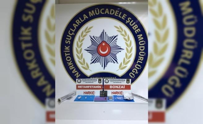 Uyuşturucu Satıcıları Gözaltına Alındı