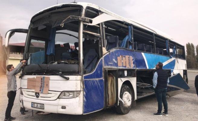 Yolcu Otobüsü Devrildi:  7 Ölü, 24 Yaralı