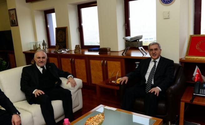 Türk Kızılay Genel Başkanı Kınık, KSÜ Rektörü Can'ı Ziyaret Etti