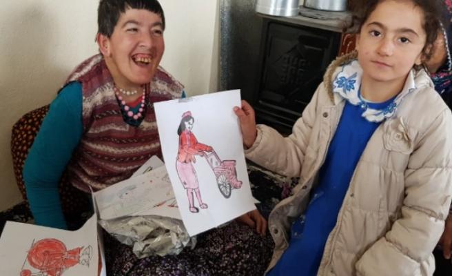 Öğrencilerden Engelli Kadını Sevindiren Sürpriz