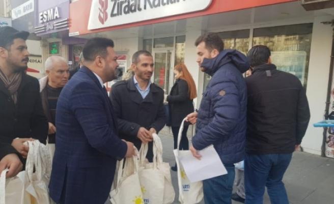 İYİ Parti Kahramanmaraş'ta 5 Bin Adet Bez Çanta Dağıttı
