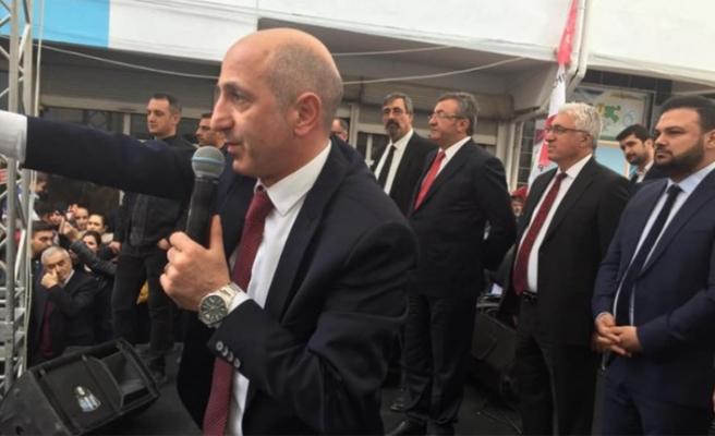Öztunç'tan Türk Bayrağının İndirilmesine Sert Tepki