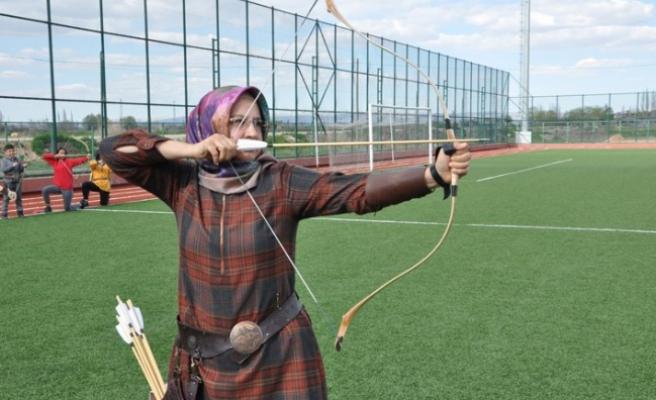 Elbistan'da Okçular Müsabakalara Hazırlanıyor