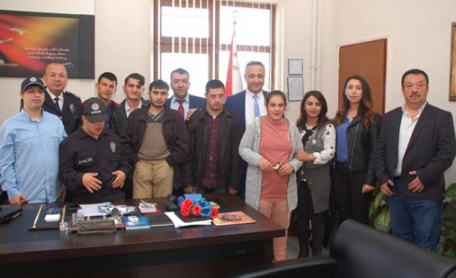Öğrencilerden Emniyet Müdürü Akdoğan'a Ziyaret
