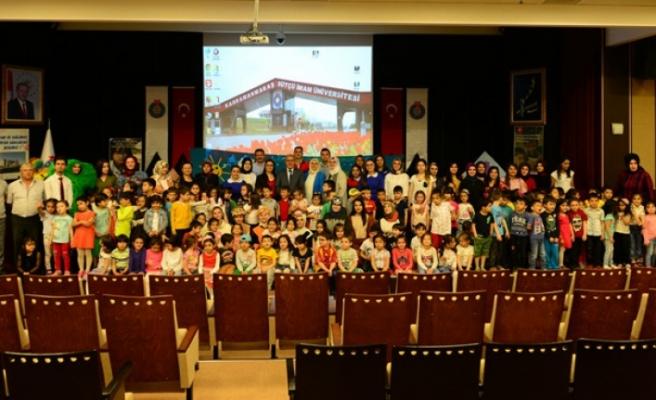 KSÜ Sağlık Hizmetleri MYO Öğrencileri Çocuk Haklarını Drama Gösterisi ile Anlattı