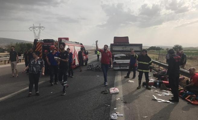 Pazarcık'ta Trafik Kazası 1 Ölü, 7 Yaralı
