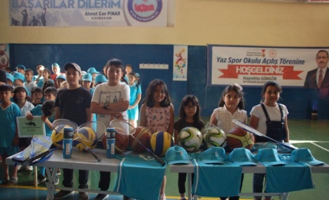 Afşin'de Yaz Spor Okulu Bin Öğrencinin Katılımıyla Başladı