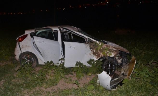 Azerbaycanlı Öğrenciler Kiraladıkları Otomobil İle Kaza Yaptı: 4 Yaralı