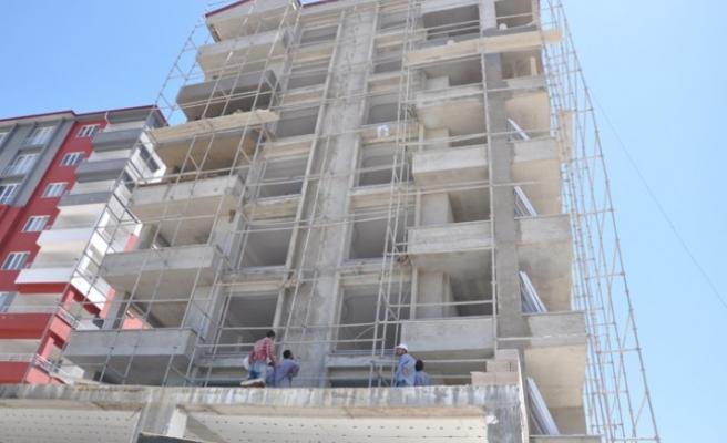 Kahramanmaraş'ta İnşaat İskelesinden Düşen İşçi Ağır Yaralandı