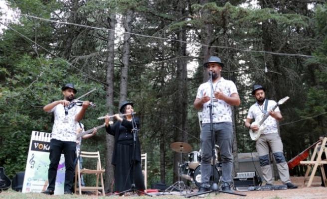 Müzik, Bin 500 Rakımlı Zirvede Doğayla Buluştu