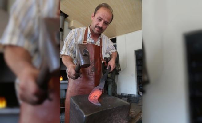 Meşhur Hartlap Bıçakları Kurbanlıklar İçin Hazırlanıyor